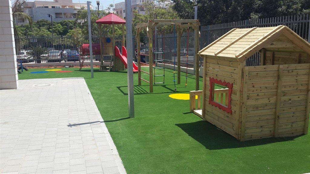 משטחי בטיחות בגני ילדים בהרצליה